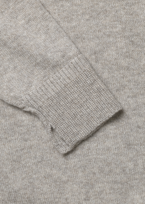 Knitwear - Snowy V-Neck Sweater Thumbnail