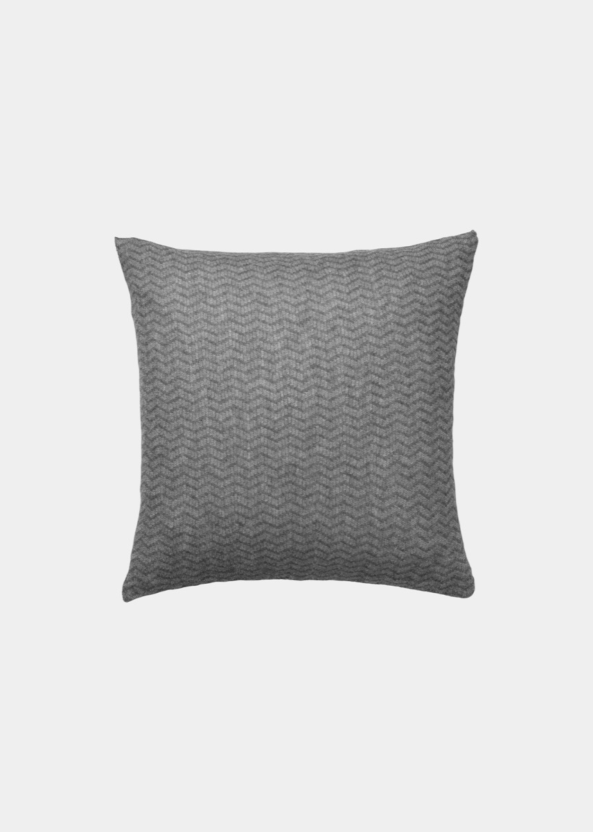 Cushions - Zigzag Pillow (50x50)